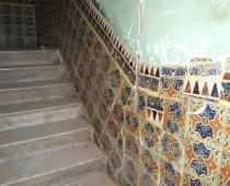 escalier (marbre et vieux carreaux)